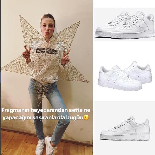 Serenay Sarikaya beyaz spor ayakkabi