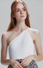 Bahar Şahin beyaz bluz