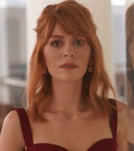 Mucize Doktor 5. Bölüm Kıyafetleri Beliz Kırmızı askılı elbise