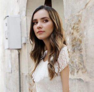 Güvercin dizisi Zülüf beyaz elbise