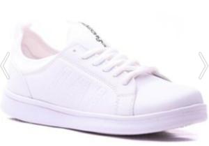 Çatı Katı Aşk Ayşe beyaz ayakkabısı,
