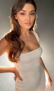 Hande Erçel beyaz elbise
